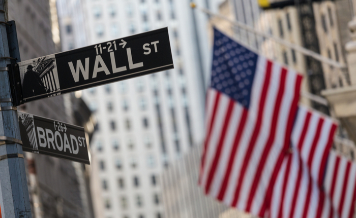 Stocks in China Slide; US Equity Futures Advance